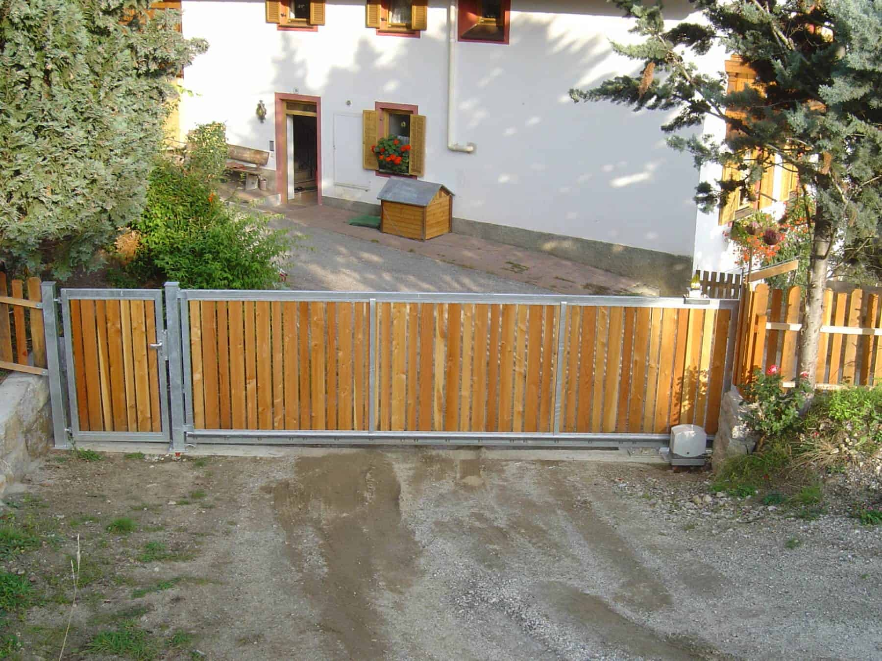 Drehgatter mit Holzlatten Südtirol