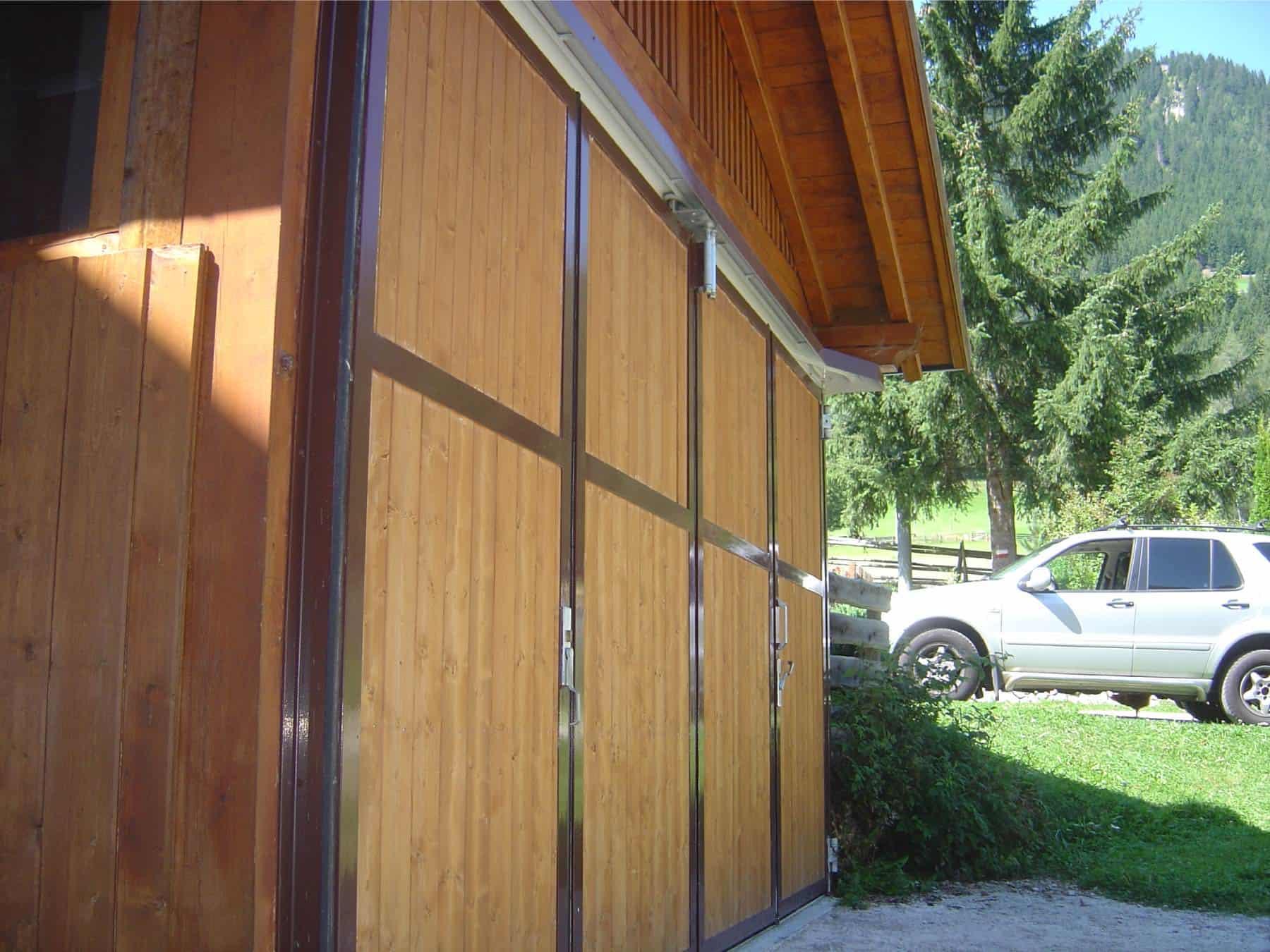 Schiebetor mit Holz Südtirol